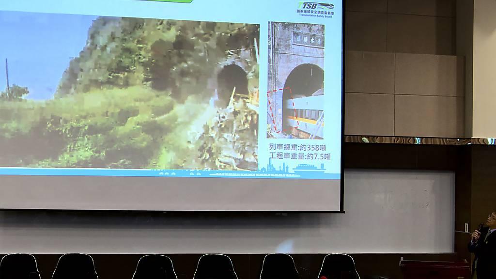 Bahnunglück in Taiwan: Lokführer bremste Sekunden vor Aufprall