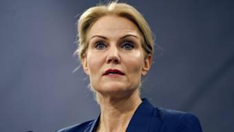 Ministerpräsidentin Thorning-Schmidt an einer Medienkonferenz.