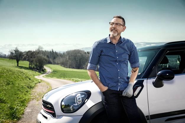Martin Bieri lässt sich trotz Handicap zum Fahrlehrer ausbilden.