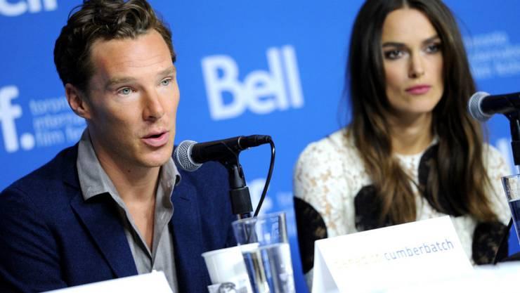 """Benedict Cumberbatch und Keira Knightley - hier letztes Jahr auf der Pressekonferenz zu """"The Imitation Game"""" - haben beide einen Aufruf an die britische Regierung unterschrieben (Archiv)"""