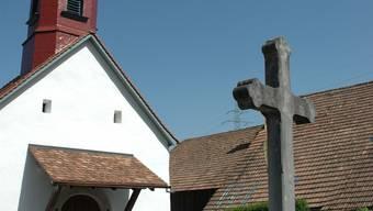 Das Gemeinschaftsgrab ist neben dem Kreuz vor der Kapelle geplant.(mhu)