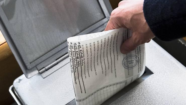 Listenverbindungen können die Sitzverteilung bei den Nationalratswahlen deutlich beeinflussen. Die kleinen Mitteparteien CVP, BDP, GLP und EVP streben bei den Wahlen im Herbst möglichst flächendeckende Listenverbindungen in den Kantonen an (Symbolbild).