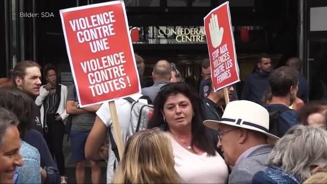 Demonstrationen gegen Gewalt an Frauen