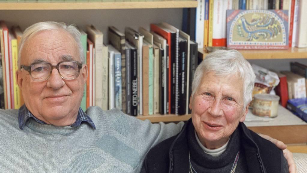 Der Berner Dichter und Theologe Kurt Marti (1921-2017) und seine Frau Hanni haben wohl eine glückliche Ehe geführt. Das zumindest lässt das Langgedicht «Hanni» vermuten, das er nach ihrem Tod schrieb - und das nun in gedruckter Form vorliegt.