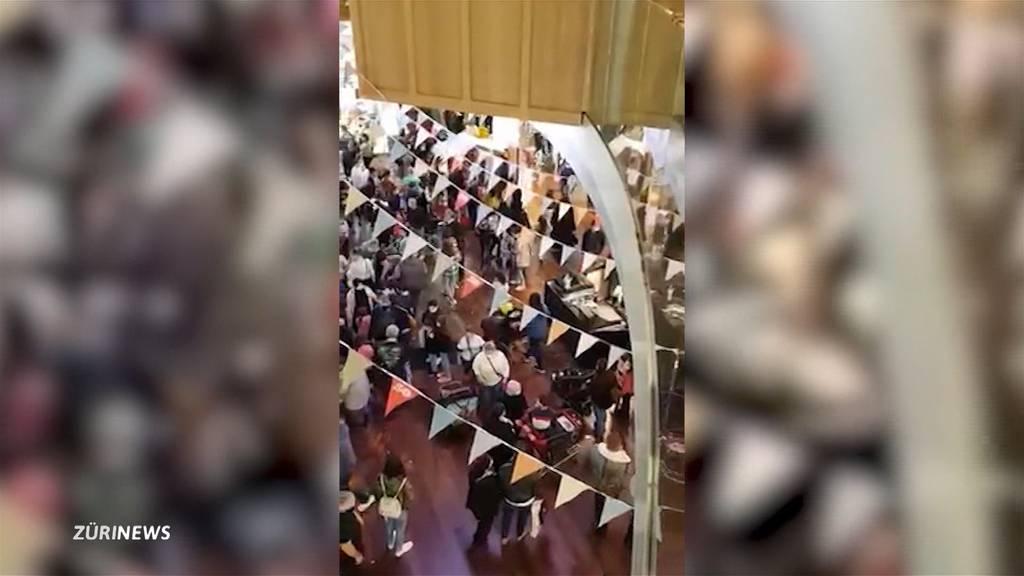 Menschenansammlung trotz Corona: Shoppi Tivoli feiert 50-Jahr-Jubiläum
