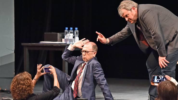 Viktor Giaccobbo und Mike Müller bei ihrem Auftritt bei den Kabarett-Tage Olten.