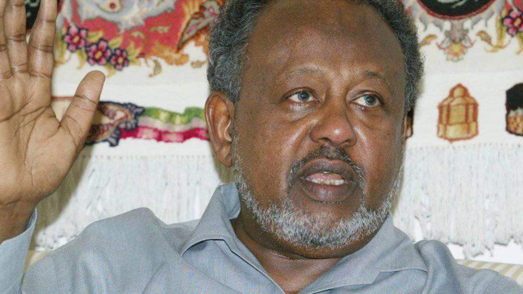Ismail Omar Guelleh, hier in einer Aufnahme von 2007, ist erneut zum Präsidenten Dschibutis gewählt worden. Die Wahl ist keine Überraschung. (Archivbild)