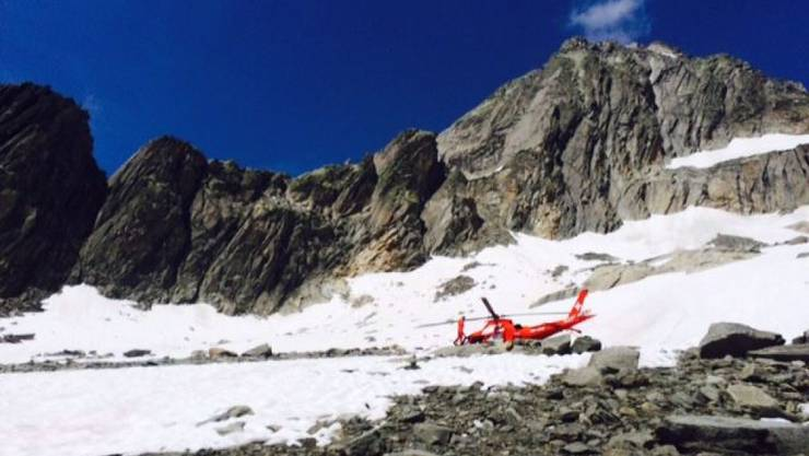 Rega-Helikopter am Unfallort auf der Südwestseite der Gärstenhörner.