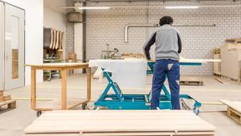 Die Integration von Flüchtlingen in den Arbeitsmarkt wird mit der Neuregelung erleichtert. (Archiv)