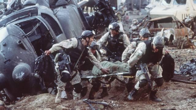 US-Trauma: Abgeschossener Black Hawk in Mogadischu (Filmszene)