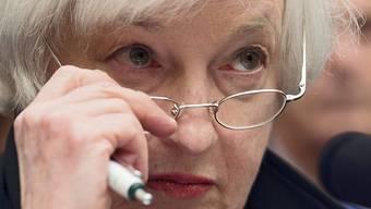 US-Notenbank-Chefin Janet Yellen wartet ab mit der Erhöhung des Leitzinses - dieses Jahr soll es aber noch passieren.