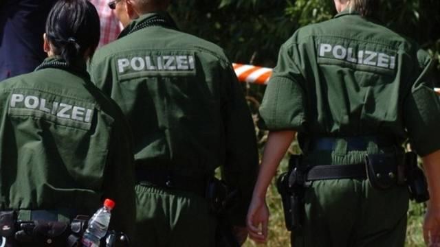 Polizisten im Bundesland Sachsen-Anhalt (Symbolbild)