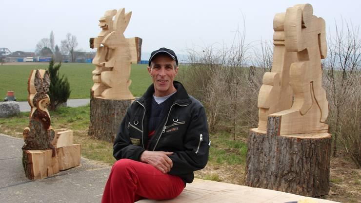 In den nächsten Tagen werden die Skulpturen von Pius Wietlisbach mit einem Kran verladen. Sie sind über eine Tonne schwer.