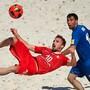 Nationalspieler Noel Ott (l.) ist beim Beach-Soccer-Show-Match am Eröffnungstag des eidgenössischen Turnfests mit dabei.