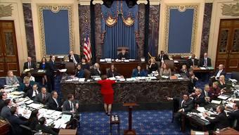 Das Amtsenthebungsverfahren gegen US-Präsident Trump im Senat steuert auf seine entscheidende Phase zu. Am Freitag wollen die Senatoren über die zentrale Frage abstimmen, ob neue Zeugen und Beweise zugelassen werden. Sollten sich die Demokraten nicht durchsetzen, könnte das Verfahren bereits noch diesen Freitag mit einem Freispruch enden.