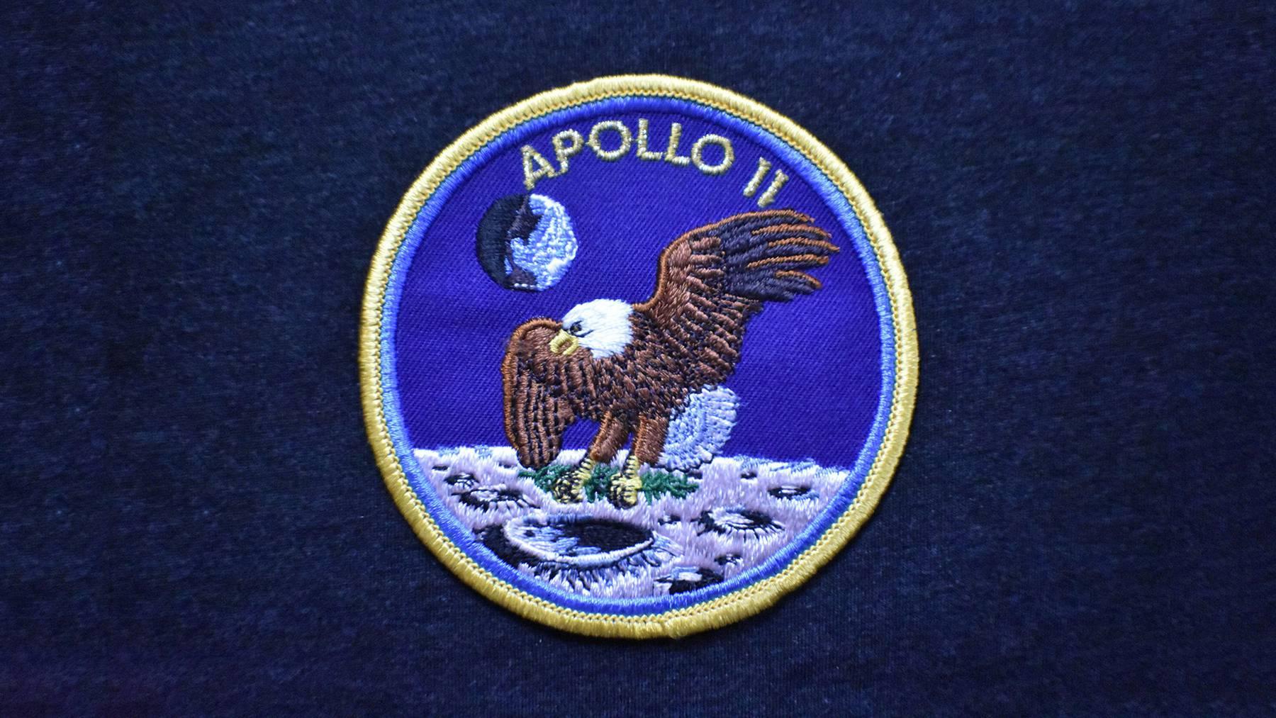 Die Schulterabzeichen der Astronauten der Apollo 11 Mission wurden mit Saurer-Stickmaschinen hergestellt.
