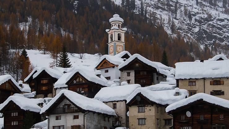 Rekordschneemengen diesen November im Tessin - hier Bosco Gurin am 25. des Monats.
