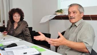 Der neue GLP-Kantonalpräsident René Kühne in der Diskussion mit SP-Gesundheitsexpertin Bea Heim.