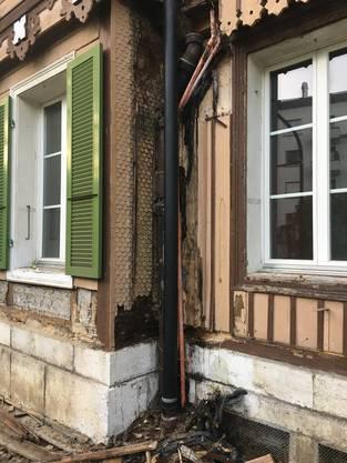 Schäden an der Südfassade im Mitteltrakt des Ost-Anbaus