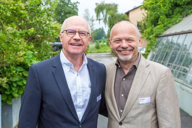 So lachen neue Gemeindepräsidenten zweier Nachbargemeinden: Simon Wirth (FDP, Unterengstringen) und Mario Okle (parteilos, Weiningen).