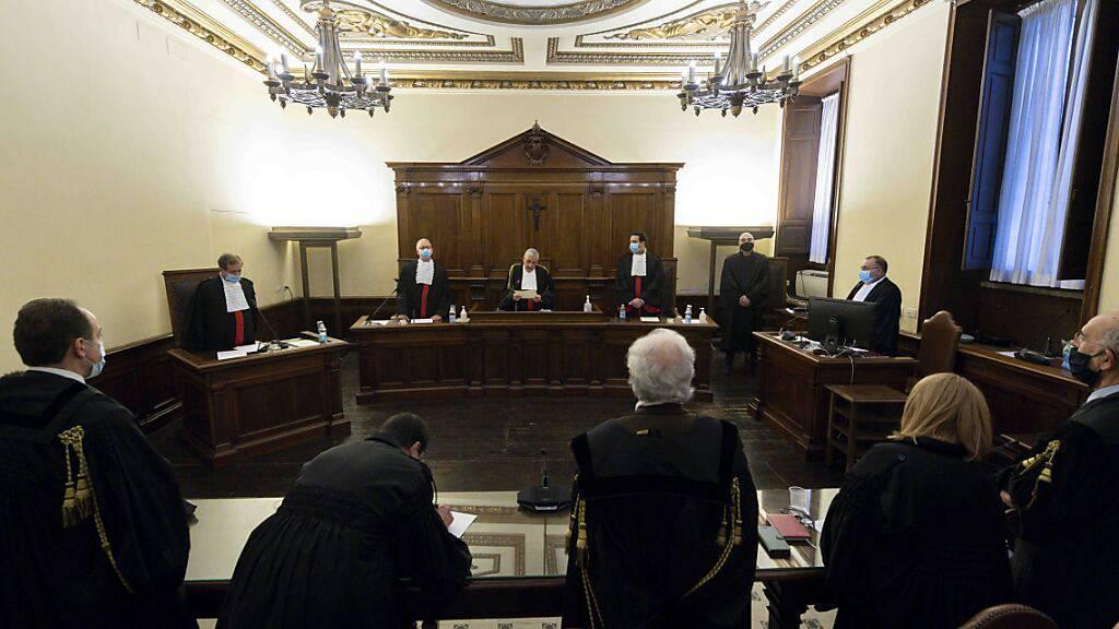 Vatikan-Gericht verhängt fast neun Jahre Haft gegen Ex-Bankchef