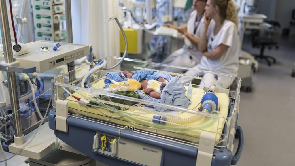 Eine brisante Studie stellt dem Kinderspital in Zürich kein gutes Zeugnis aus: Zu viele Kinder mit einem bestimmten Herzfehler sterben.