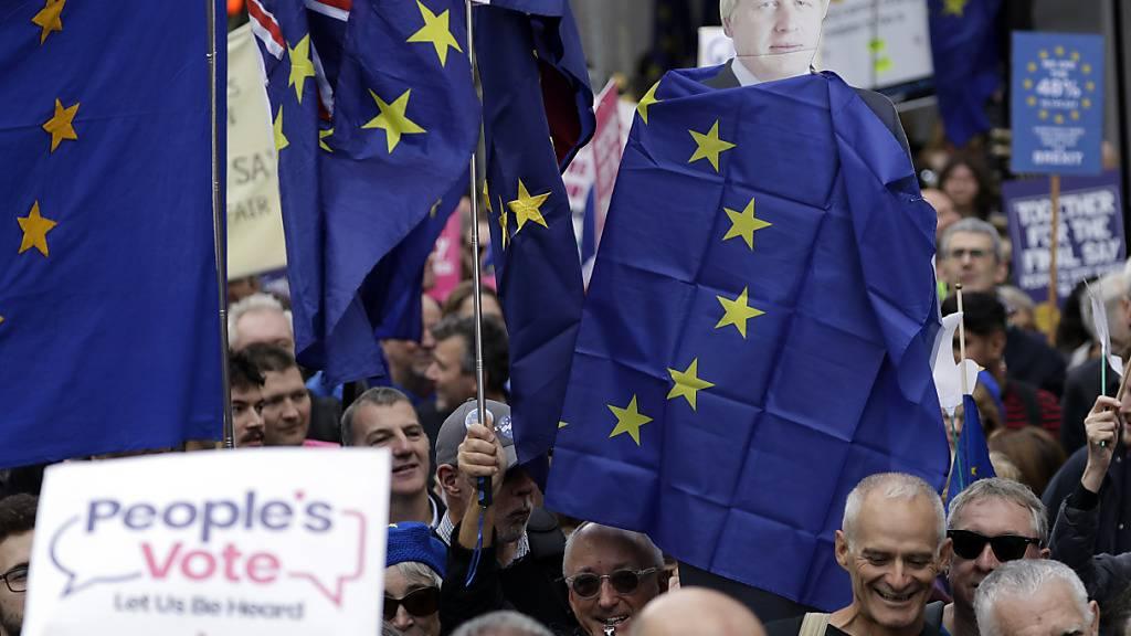 Zehntausende demonstrieren in London für zweites Brexit-Referendum