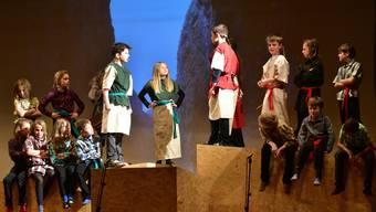 Aufführung von «Ronja Räubertochter» in Kestenholz