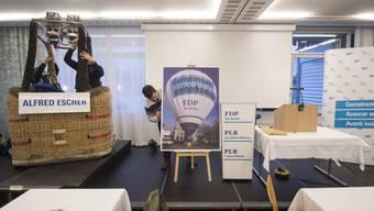 Unter anderem mit einem Heissluftballon geht die FDP Schweiz dieses Jahr in die  nationalen Wahlen. Der Ballon wurde beim Wahlkampfauftakt vom Freitag in Aarau unter dem Namen Alfred Escher getauft.
