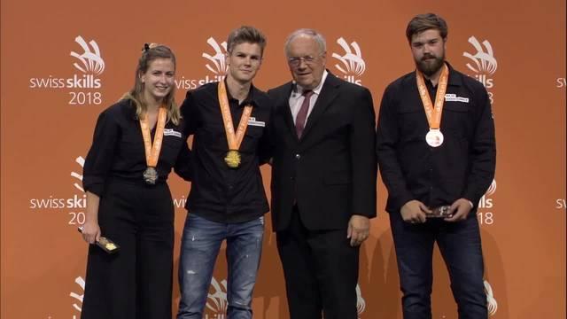 Pascal Helfenfinger aus Zullwil holt Bronze bei den GebäudetechnikplanerIn Heizung EFZ