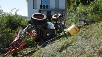 Ein Landwirt ist in Egolzwil beim Heuen mit seinem Traktor abgestürzt. Er wurde erheblich verletzt.