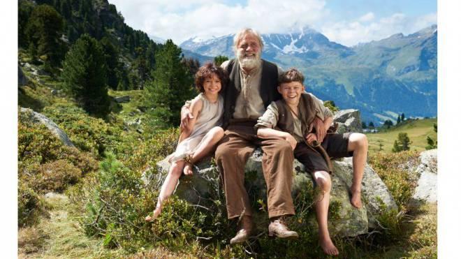 «Heidi» ist hervorragend besetzt. Anuk Steffen ist ein wirbliges Heidi, Bruno Ganz ein knorriger Alp-Öhi und Quirin Agrippi ein bodenständiger Peter. Foto: Disney