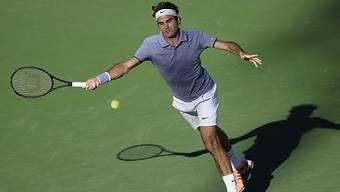 Roger Federer musste sich gegen Tursunow mächtig strecken.