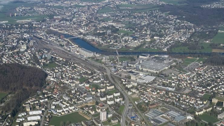 Flugaufnahme von Zuchwil und Solothurn