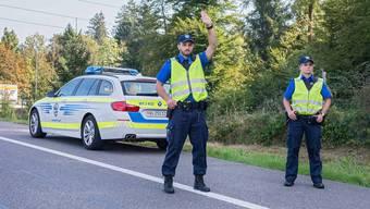 Aargauer Kantonspolizisten achteten in einer Schwerpunkt-Aktion besonders auf Ablenkung am Steuer. (Symbolbild)