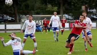 Srdan Sudar vom SV Muttenz scheitert aus wenigen Metern.