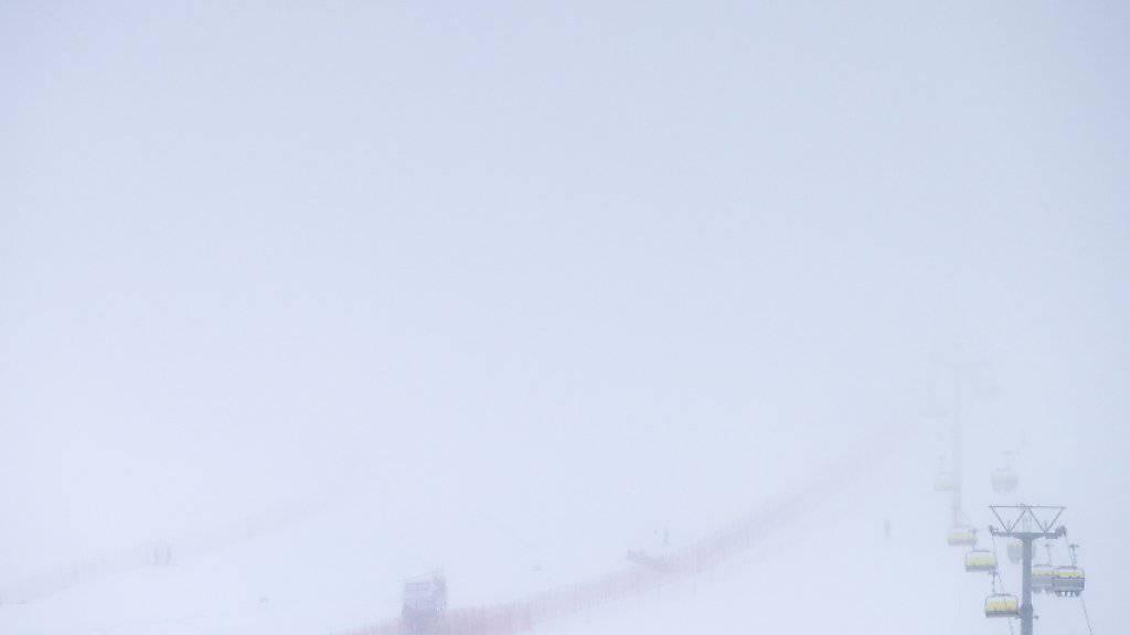 Nebel und Schneefall liessen in Val d'Isère kein Training zu