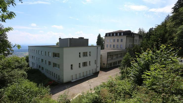 Die Hälfte der 80 Plätze im Asylzentrum Fridau (l.) darf Egerkingen an das eigene Asyl-Kontingent anrechnen. Archiv