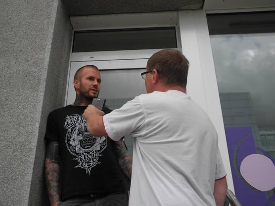 Sandro Spahn gehört das Tattoo-Studio im Hochparterre. Bei ihm haben die Polizisten die Tür aufgebrochen.