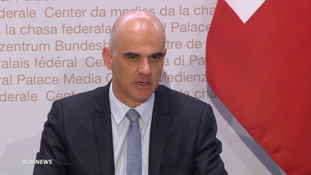 Bund und kantonale Gesundheitsdirektoren einig: Schärfere Massnahmen nötig