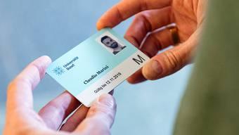 Die neue Unicard ersetzt ab Anfang 2019 die alte Papier-Legi