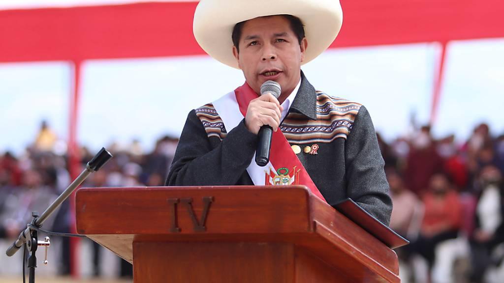 Perus Präsident ernennt Politikneuling zum Regierungschef