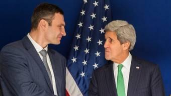 US-Außenminister begrüsst Klitschko (l.) in München