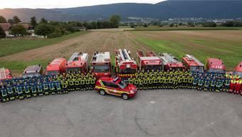 Parade der Regio-Feuerwehr der Gemeinden Arch, Büren, Leuzigen, Meienried, Oberwil und Rüti.