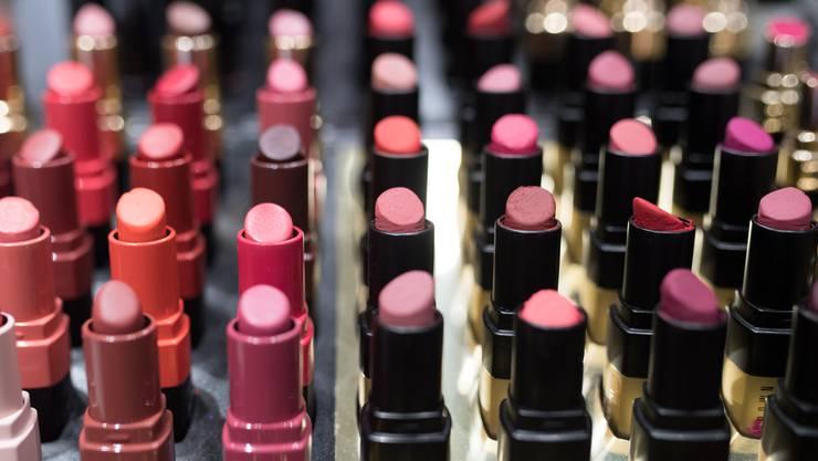 Im Kanton Aargau wurden 73 kosmetische Produkte untersucht.
