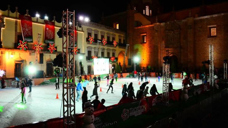 Die Techno-Eisbahn im Zentrum der Stadt in Zacatecas.