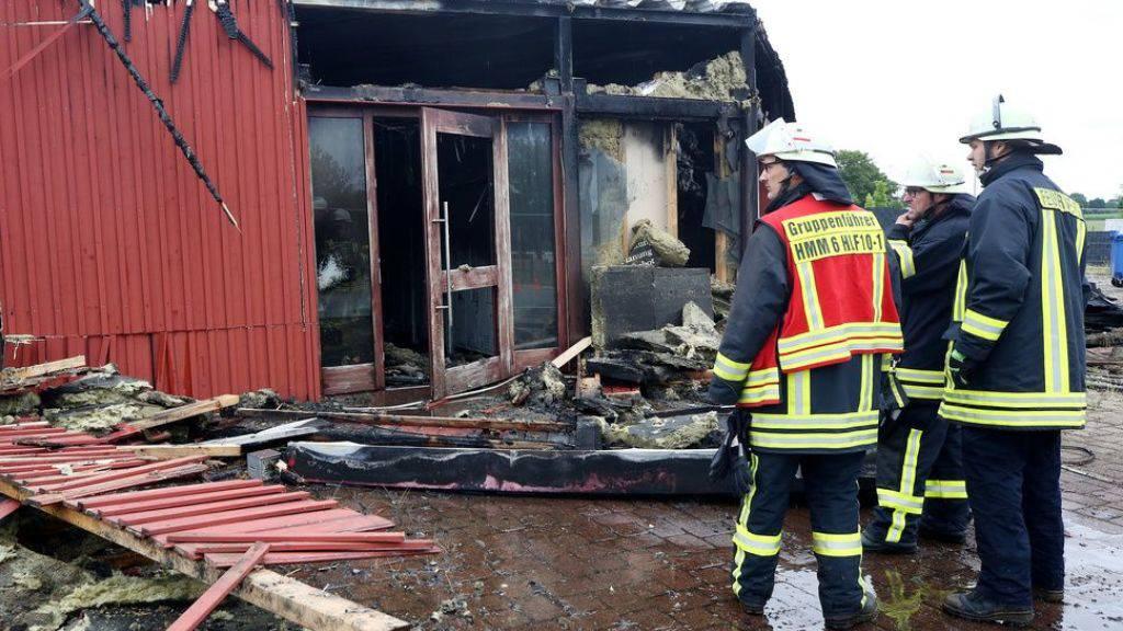 Der Sauna-Club im deutschen Nordrhein-Westfalen brannte vollständig ab. Ein Besucher kam bei dem Feuer ums Leben.