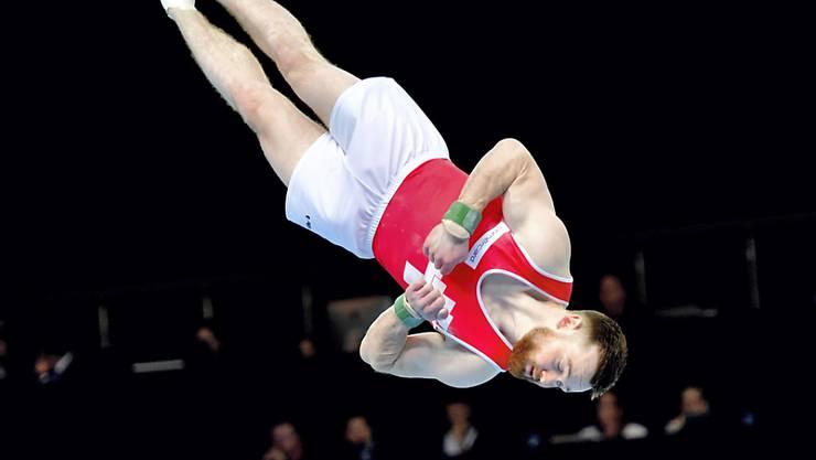 Benjamin Gischard kämpft am Boden und am Sprung um EM-Medaillen