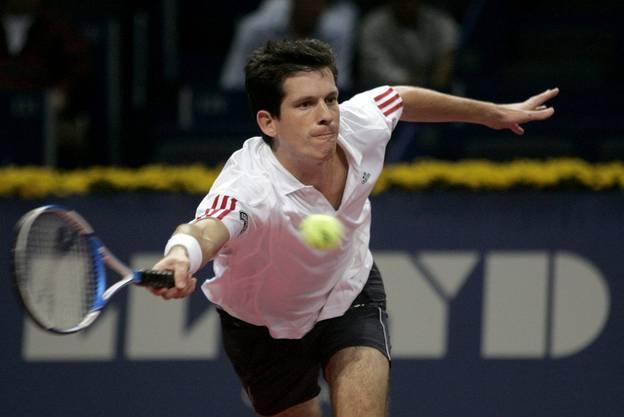 Tim Henman gewann die ersten vier Duelle gegen Federer, darunter den Final bei den Swiss Indoors 2001.