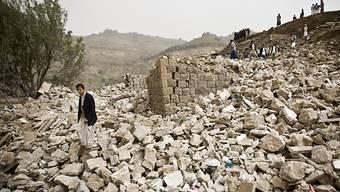 Zerstörte Häuser in einem Dorf nahe Jemens Hauptstadt Sanaa.